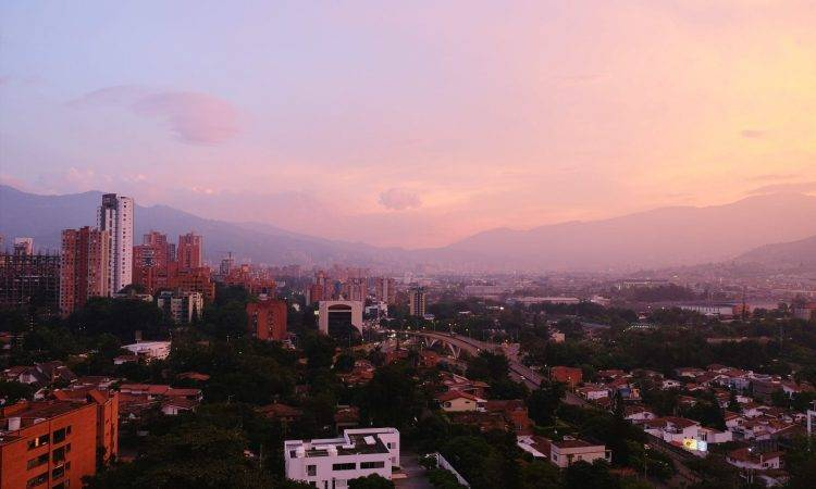 Outsourcing to Colombia UruIT